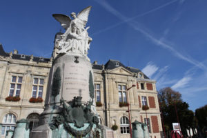 Monument aux morts - place A. briand