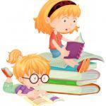 deux enfants lisant livres