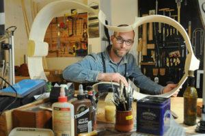 Alexis-Pean-Luthier