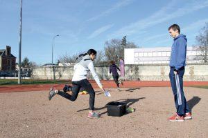 Préparation à la course enfants autour du semi-marathon d'Elbeuf au nouveau complexe sportif de la Cerisaie.